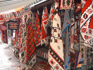 Bosnian carpets in the old market